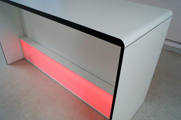 dinnerstisch-radius-mit-led-beleuchtung