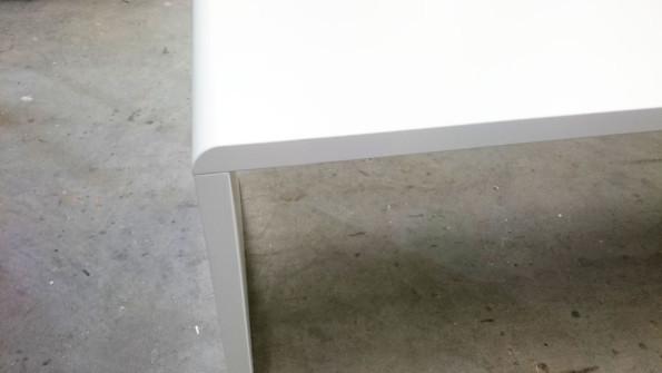 dinnertisch-radius-weiss-abgerundet-tisch