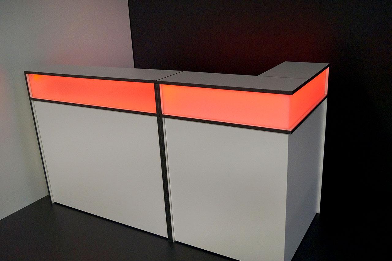 Theke mit led beleuchtung loungem bel for Beleuchtung shop