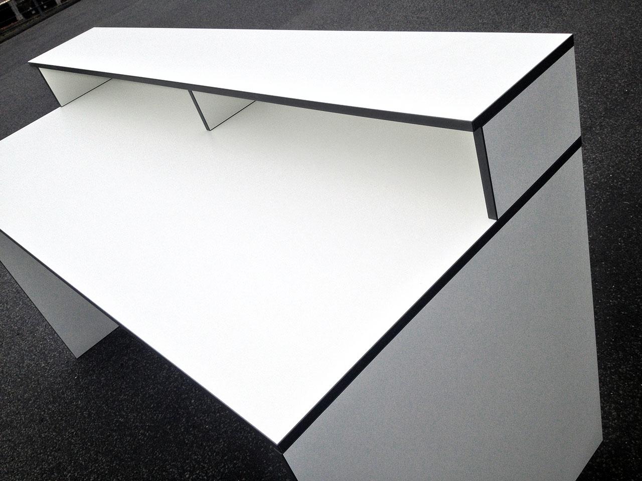 100 schreibtisch aufsatzregal dprmodels com es. Black Bedroom Furniture Sets. Home Design Ideas